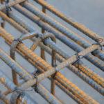 Як правильно в'язати арматуру для стрічкового фундаменту?