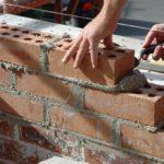 Пристосування для кладки цегли: інструменти і пристрої, що використовуються при зведенні цегляної кладки