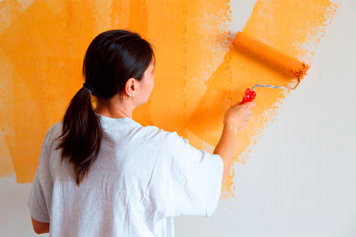 Акриловая краска для стен и потолков: особенности и преимущества