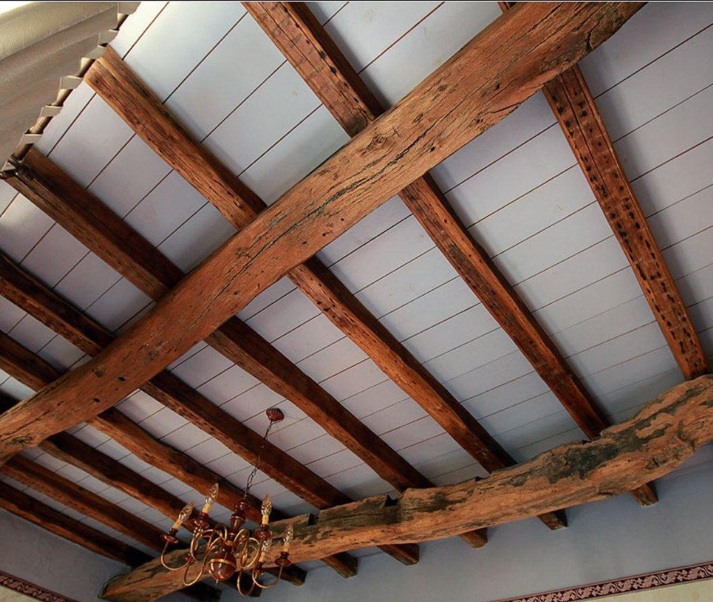 Балки на потолке: элемент дизайнерского решения