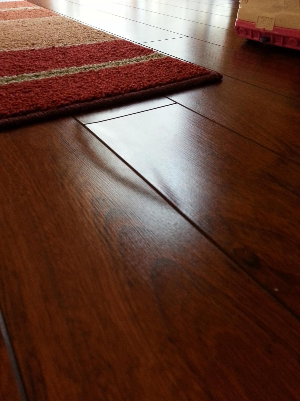 Чем можно покрыть ламинат для защиты от влаги?