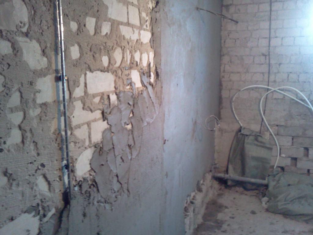 Делаем выравнивание стен по маякам самостоятельно