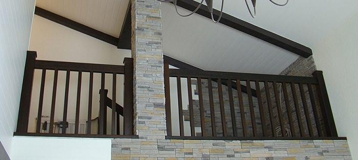 Деревянные ограждения балконов и террас в частных домах своими руками