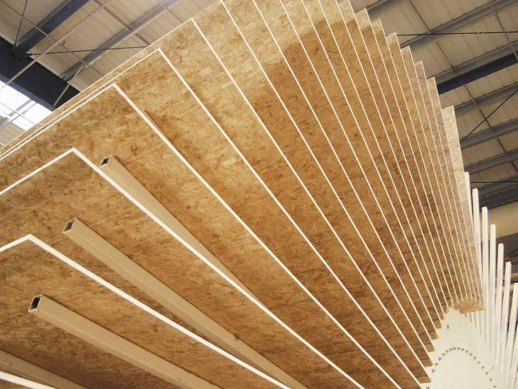 Древесно-стружечная плита для стен представляет бюджетный вариант отделки