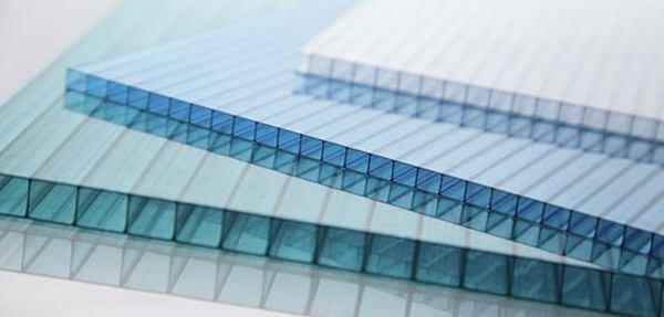 Характеристики сотового поликарбоната, виды и применение в строительстве