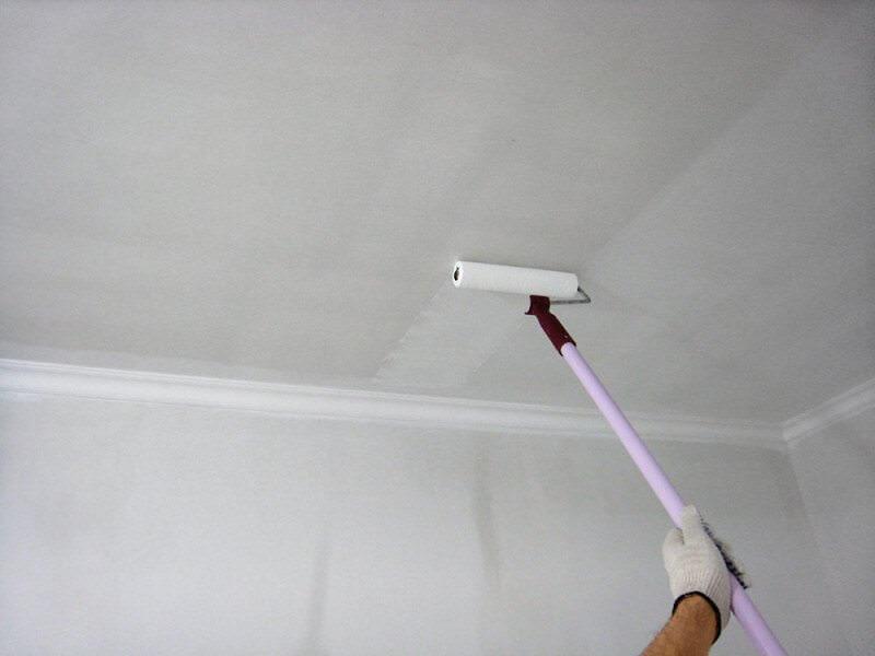 Качественная побелка потолка своими руками водоэмульсионной краской