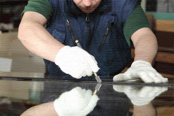 Как аккуратно и легко разрезать зеркало в домашних условиях