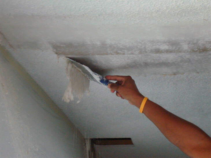 Как покрасить потолок водоэмульсионной краской без разводов и подтеков.