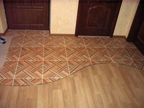 Как правильно соединить в одном помещении линолеум и плитку