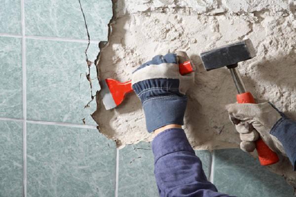 Как произвести демонтаж старой плитки