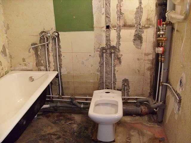 Как самостоятельно сделать ремонт в ванной комнате?