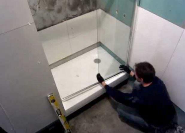 Как сделать душевую кабину из поликарбоната для квартиры: обзор материалов и порядок монтажа