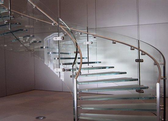 Как соорудить стеклянное ограждение для лестницы