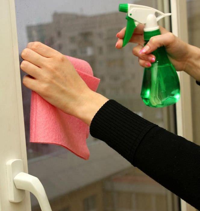 Как удалить царапины со стекла своими руками