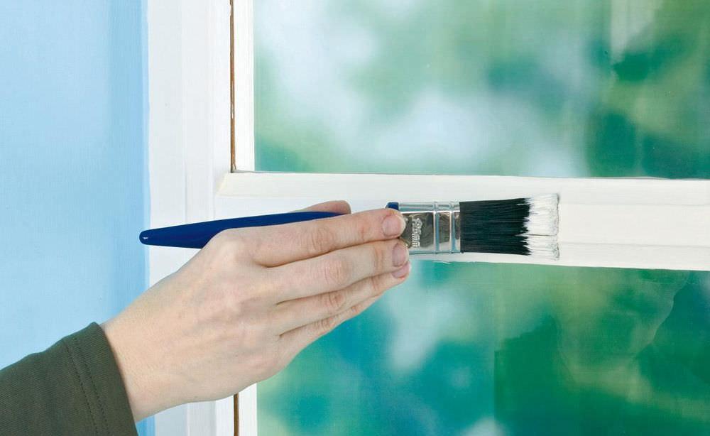 Как удалить краску на стекле своими руками?