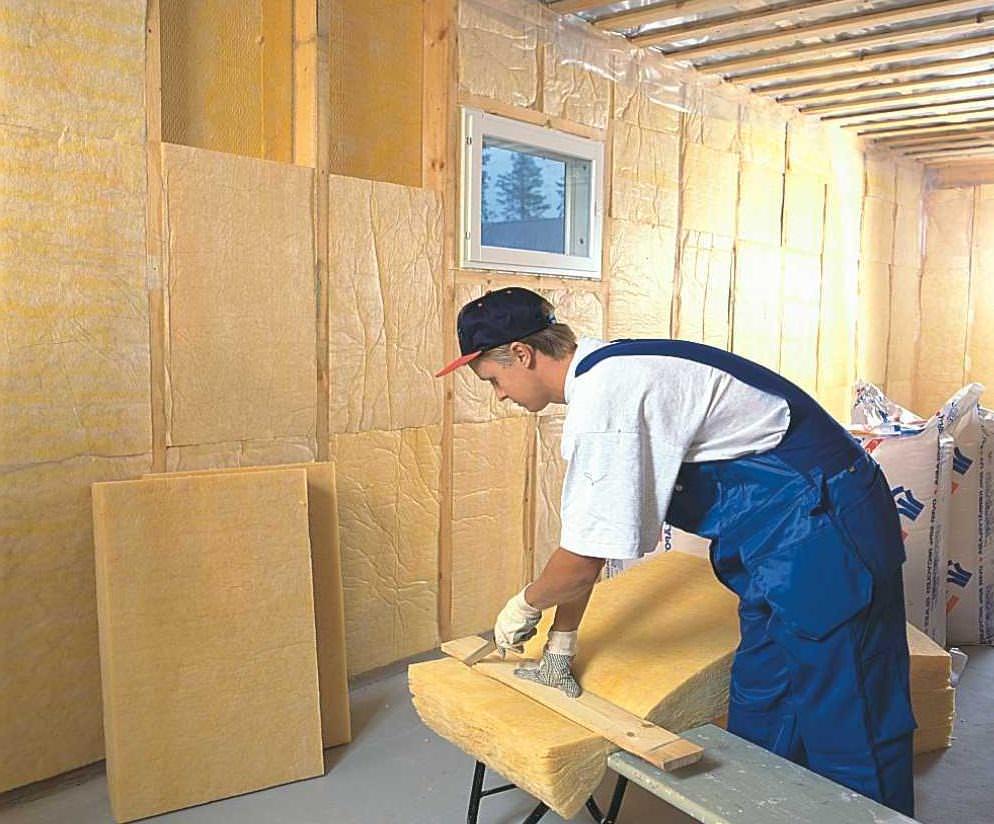 Как утеплить стену в квартире изнутри – практические рекомендации