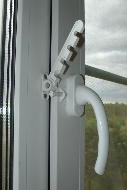 Микропроветривание на пластиковом окне – основные нюансы