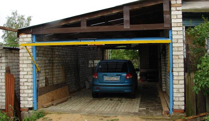 Монтируем подъемно-поворотные ворота для гаража своими руками