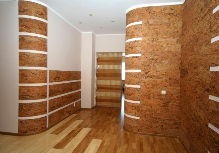 Натуральная пробка для стен совместима с современными стилями, имеет много преимуществ