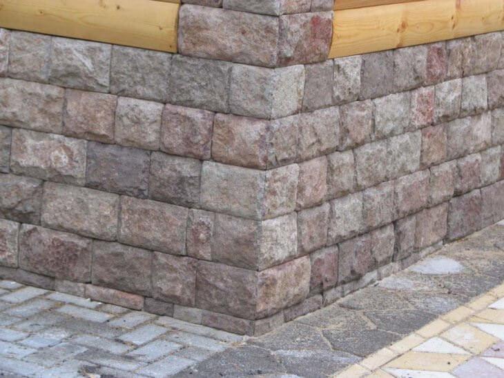 Натуральный камень в интерьере и на фасаде