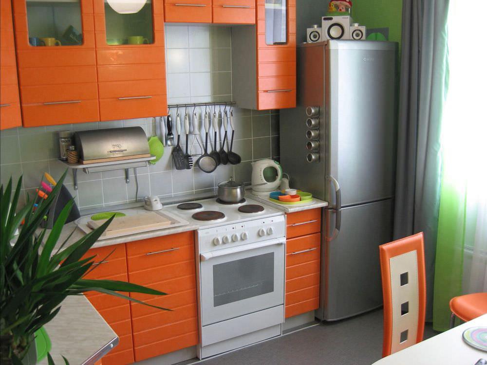 Обустраиваем небольшую кухню своими руками