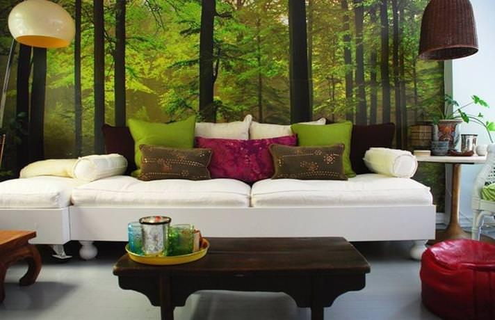Оригинальный дизайн гостиной с помощью фотообоев