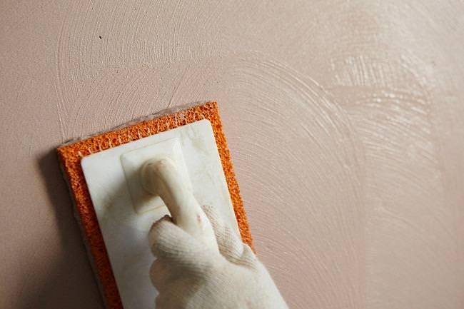 Оштукатуриваем стены цементным раствором самостоятельно