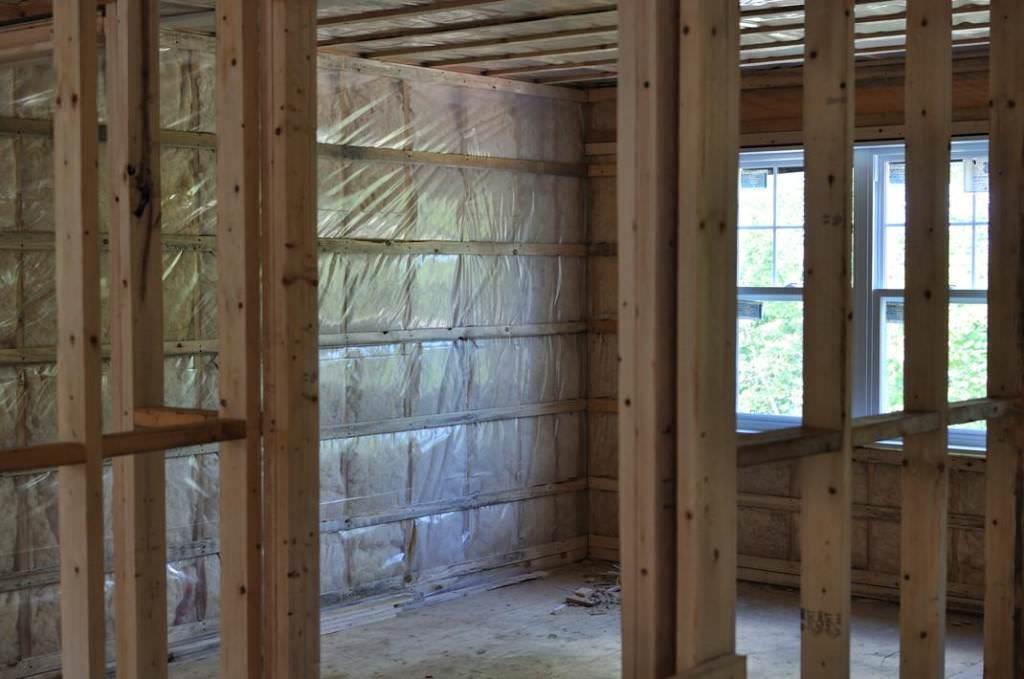 Пароизоляция для стен деревянного дома: порядок действий