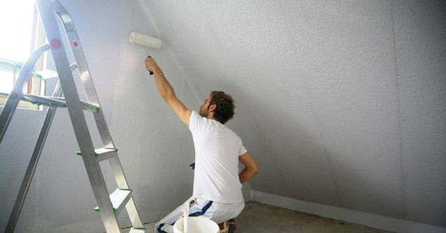 Подготовка бетонных стен в квартире под обои