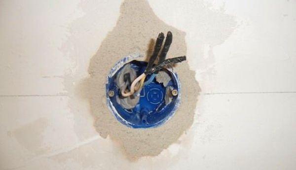 Порядок установки розеток и выключателей в бетонную стену