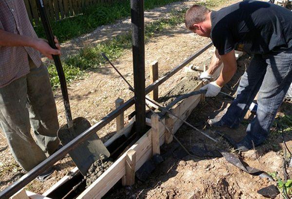 Пошаговая инструкция возведения кованого забора для дачи своими руками