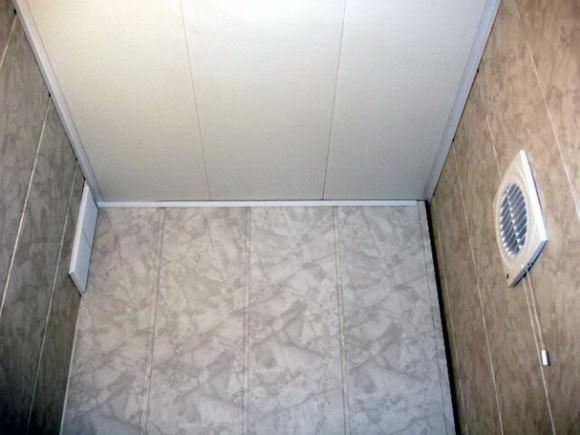ПВХ панели для ванной и туалета: 43 фото идеи