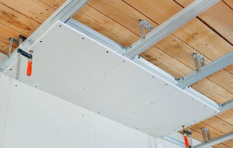 Ремонтируем потолок из гипсокартона в квартире