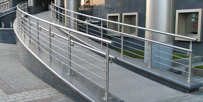 Сферы применения, комбинирование и монтаж ограждений из нержавеющей стали