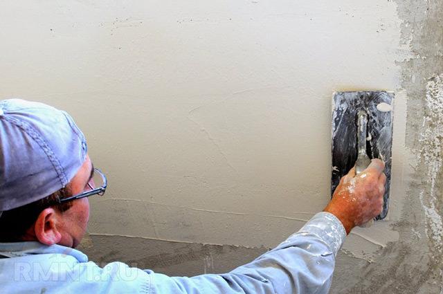 Шпаклевка стен под обои – пошаговая инструкция