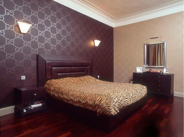 Сложность выбора обоев для спальни
