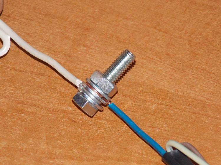 Соединение электрических проводов и кабелей