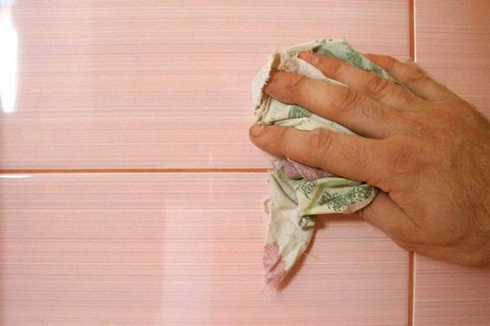 Советы по затирке швов плитки в ванной своими руками