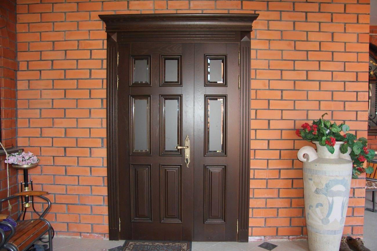 Советы профессионала по выбору входной двери