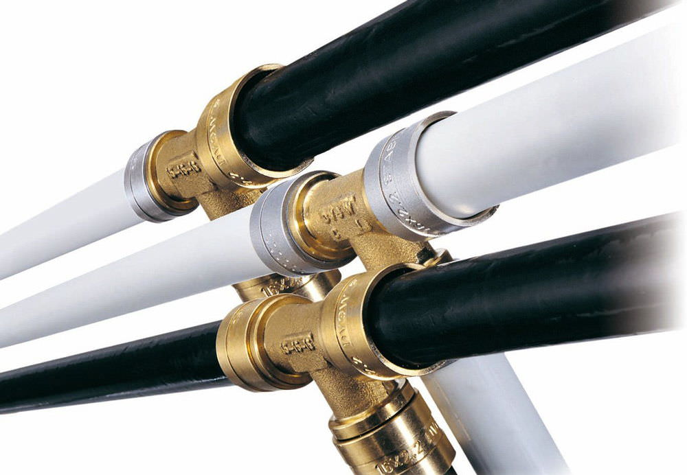 Способы соединения пластиковой и металлической трубы
