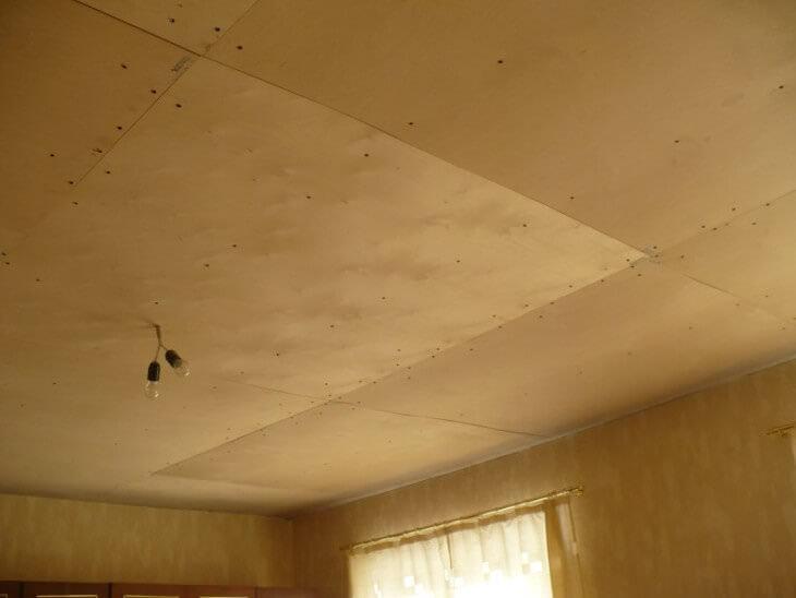 Сравнение методов подшивки потолка различными материалами