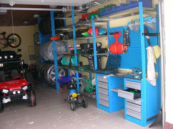 Удобные стеллажи для гаража, которые можно сделать своими руками