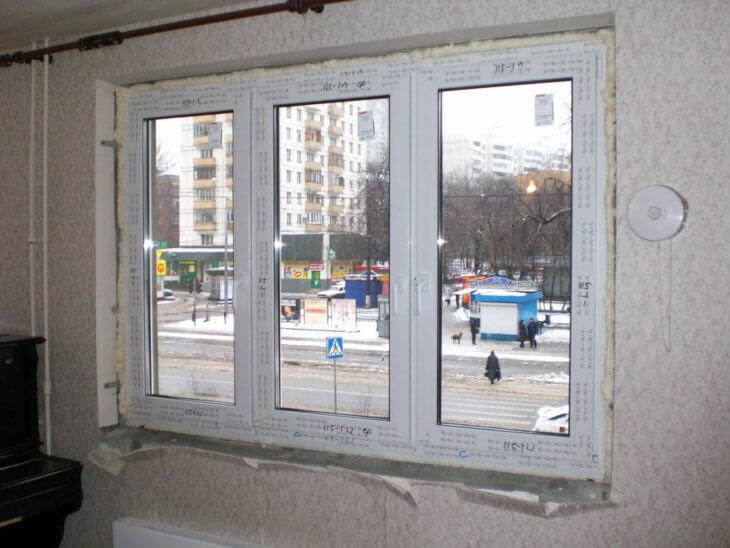 Установка подоконников и откосов на пластиковых окнах