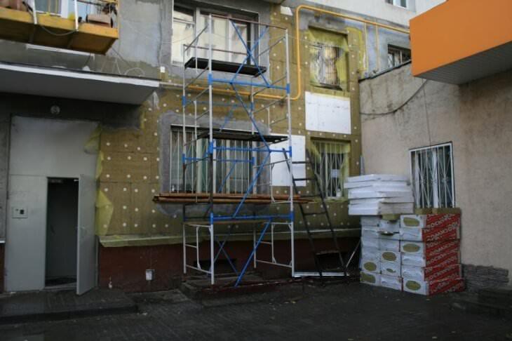 Утепление дома с Роквул фасад Баттс под штукатурку экономит энергию и поглощает шум
