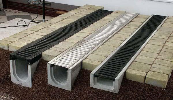Виды лотков для ливневой канализации, особенности монтажа и советы по выбору