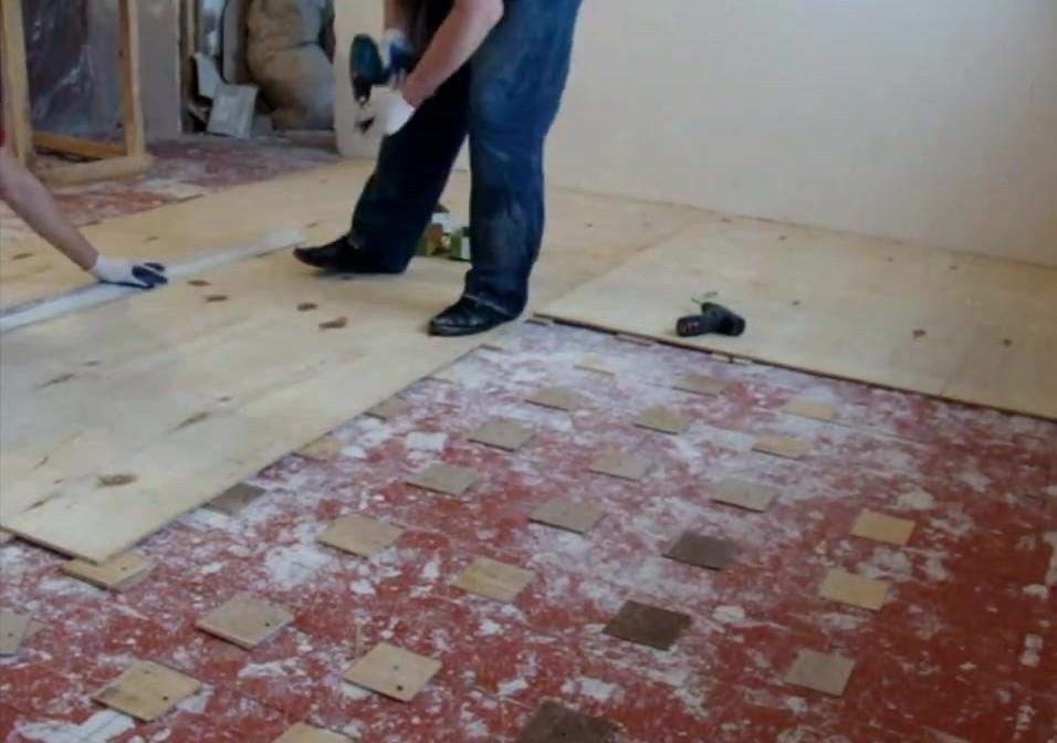 Выравниваем деревянный пол под ламинат своими руками