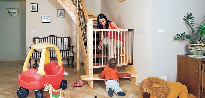 Зачем нужны ворота безопасности для детей, их виды и установка
